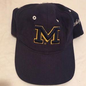 Michigan Wolverines adult men's navy blue hat